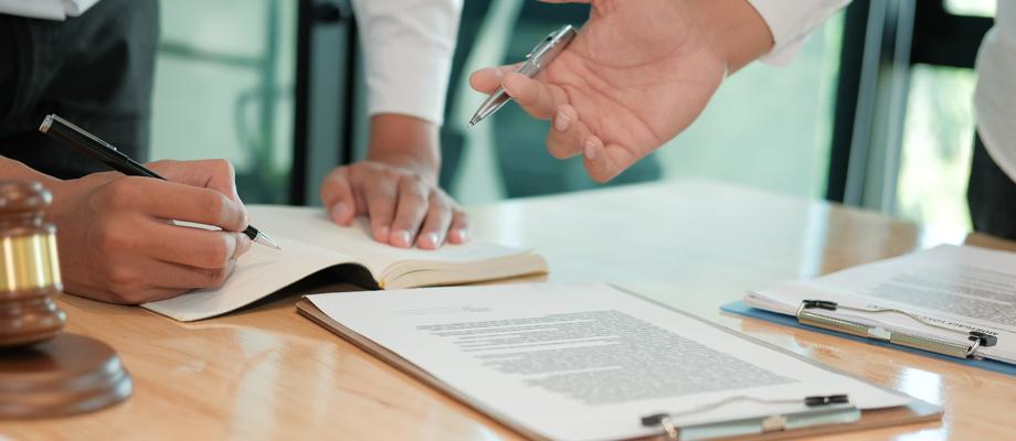 עורך דין ברחובות משפט-מסחרי-ועסקי