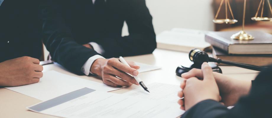 עורך דין מסחרי ריטיינר